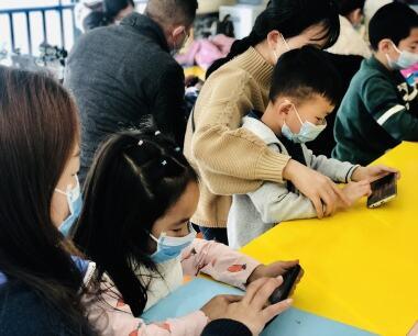 """江津科技馆开展""""少儿趣味编程""""主题系列展教活动"""